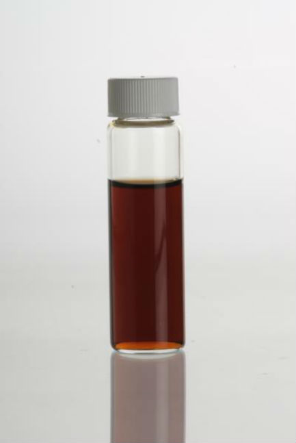El extracto de mejor calidad se vende en pequeños frascos de vidrio y su color es claro. // Foto: Especial