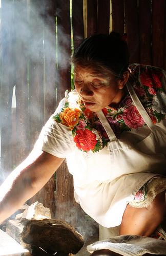 Las cocineras tradicionales son un cúmulo de conocimientos. // Foto: Especial.