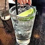 Gin & Tonic: Ginebra y agua tónica. // Foto: Especial.