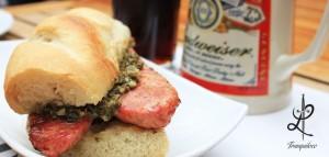 La cocina de Tranquiloco es ecléctica y ofrecen desde choripan hasta cheeseburgers o aguachile. // Foto: Cortesía.