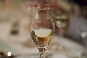 La grappa se sirve en pequeñas copas. // Foto: Especial