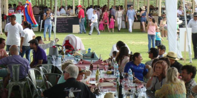 Deje que los asistentes hagan el picnic a su antojo y conozcan los mejores productos locales. // Foto: Alejandro Escalante.