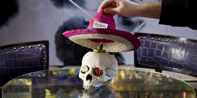 El coctel 'Aquí estoy', servido con tequila, es una de lasómicas creaciones de Artesian. // Foto: www.artesian.co.uk