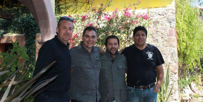 Los chefs Guillermo González, Dante Ferrero y Enrique Olvera en San Miguel de Allende. // Foto: Hacienda Purísima de Jalpa (Facebook).