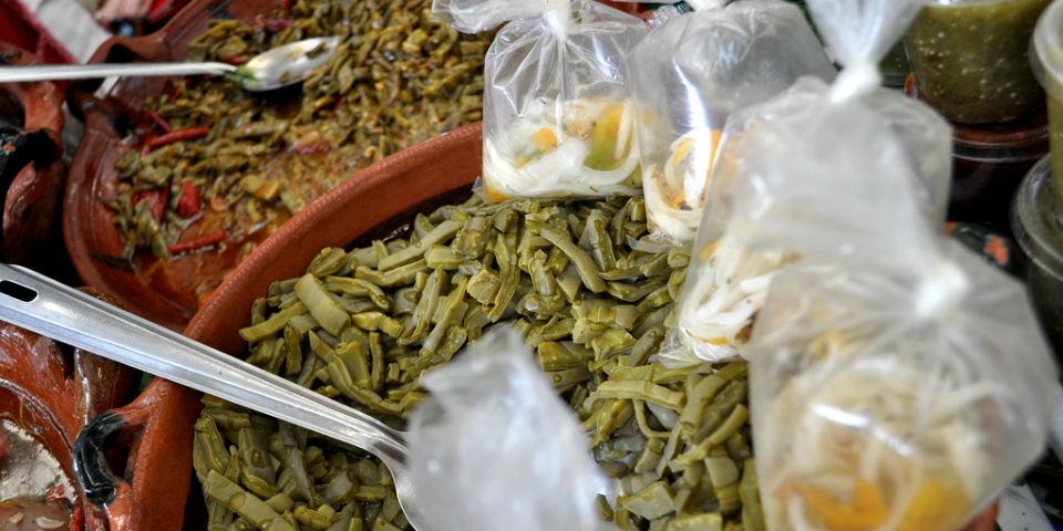 Además de saludables, los nopales son bastante versátiles para ser cocinados. // Foto: Especial.