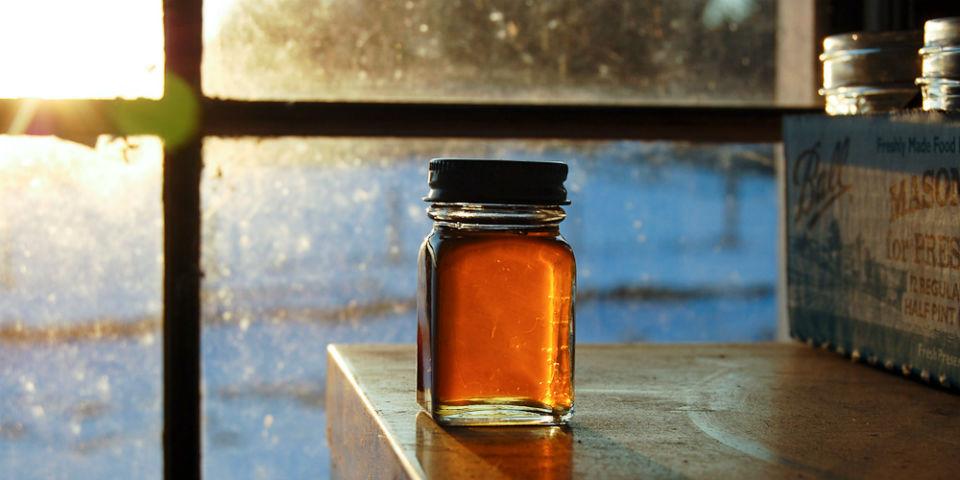 La miel de maple es un buen sustito del azúcar. Endulza 1.5 más veces que ella. // Foto: Especial.