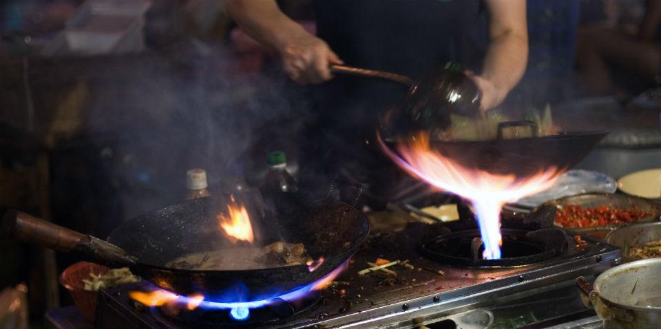 Wok la ancestral t cnica de cocina oriental animal gourmet for Cocinar wok en casa