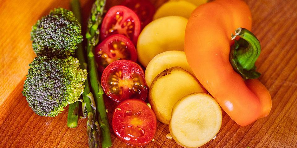 Es O No Es Las Diferencias Entre Frutas Y Verduras Por ello es importante elegir la variedad más indicada en cada época del año porque tiene implicaciones que conviene conocer ya que al consumir la fruta y verdura dentro de su ciclo natural las diferencias entre frutas y verduras