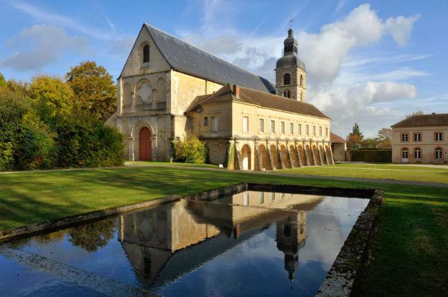 La abadía de Hautvillers, en Champagne, Francia, es la cuna del vino espumoso.