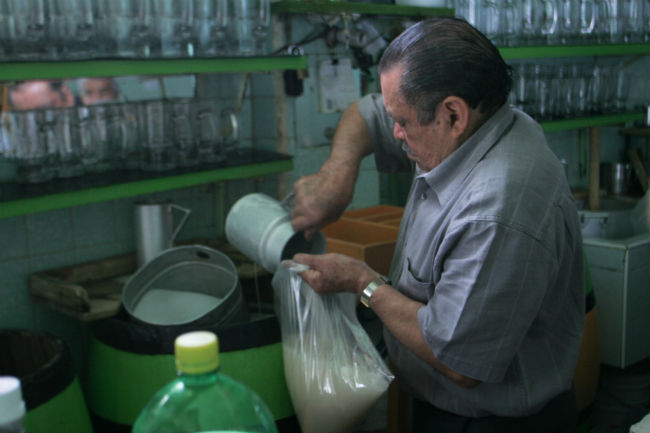Los estados del centro del país son los principales productores de pulque. // Foto: Cuartoscuro.