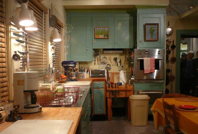 La cocina de Julia fue diseñada especialmente para ella; las alacenas y muebles se encuentran a mayor altura. // Foto: F Delventhal (Creative Commons).