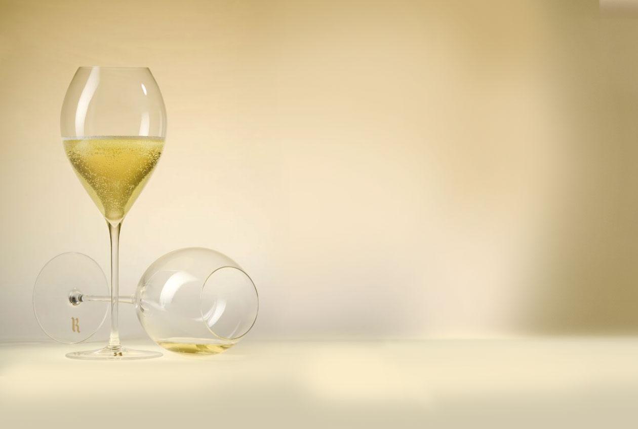 Tres tipos de copa para beber vino espumoso