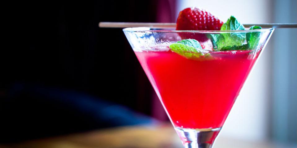 cc4100316c 5 cocteles con poco alcohol para mantener la cordura en las fiestas ...