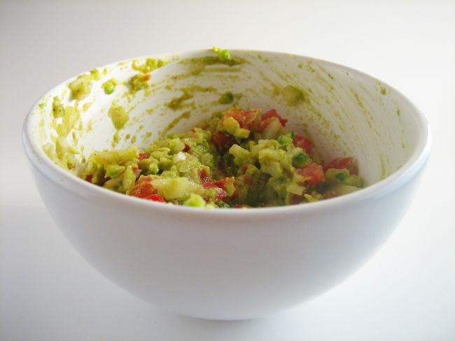 El aguacate es el ingrediente principal del guacamole. // Foto: Craig Dugas (Creative Commons).