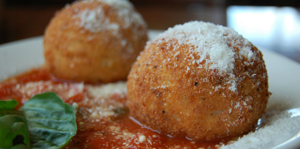 #RECETA Arancini (Bolitas de arroz con salsa marinara)