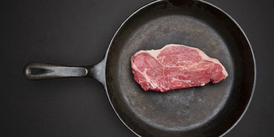 ¿Cómo descongelar un bistec en cinco minutos sin calor?