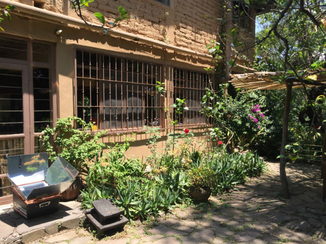 En Quinta Diana, el rancho ecológico de la investigadora, sólo se cocina con leña o en estufas y horno solar. // Foto: Animal Gourmet.