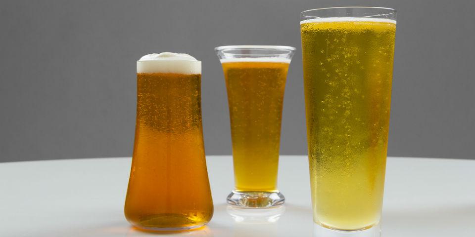 El porqué la cerveza debe beberse en vaso (y nunca de la botella)