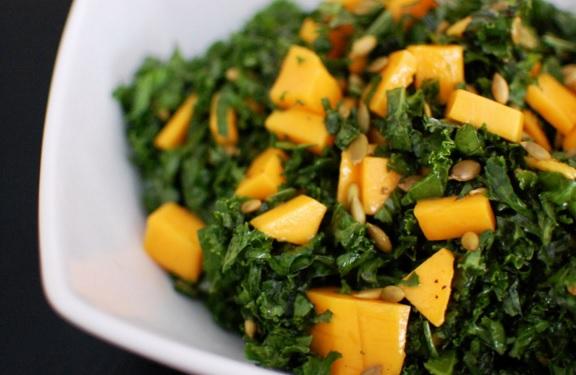 ensalada kale mango