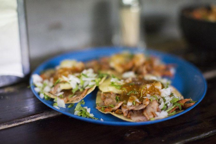Tacos al pastor.// Foto: Carlos Castillo. Munchies.
