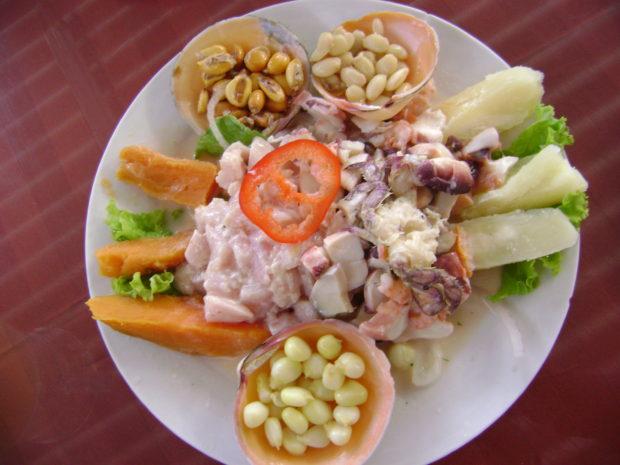 Ceviche de mariscos.//Foto: Wikimedia Commons.