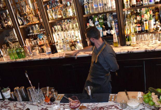 Mica Rousseau, el mejor bartender de México. //Foto: Roxana Zepeda.