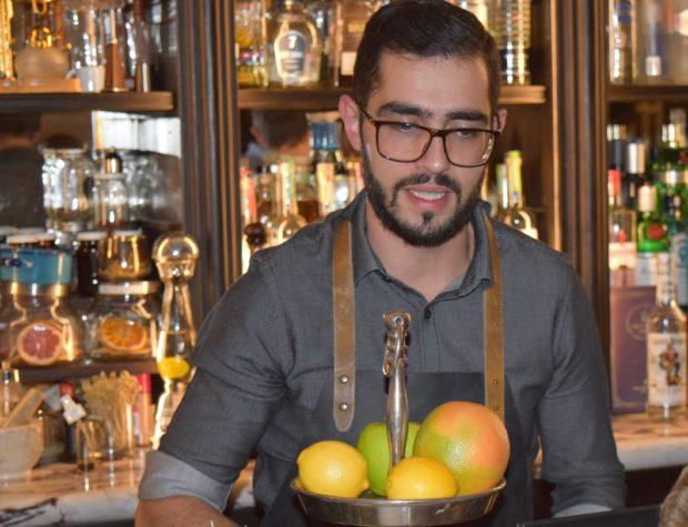 Mica Rousseau, bartender del Fifty Mils en el hotel Four Seasons México. //Foto: Roxana Zepeda.