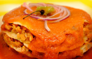 El pan de cazón es un plato tradicional de la cocina de Campeche.