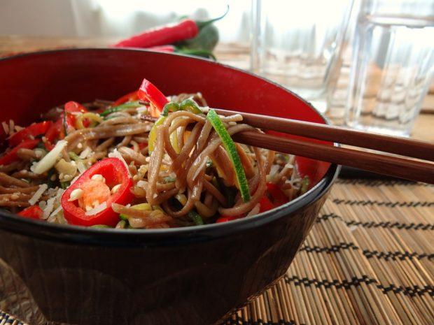receta de yakimeshi y chop suey