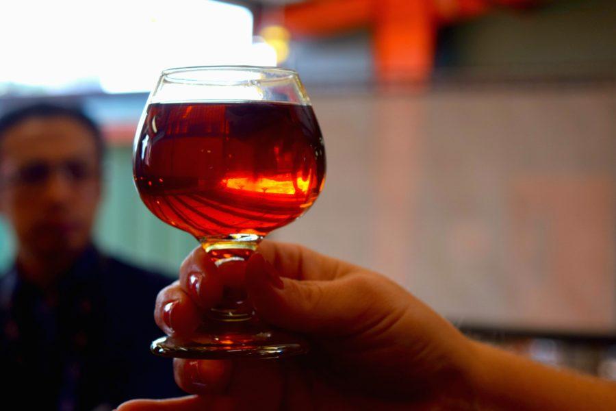 ¡Salud! Este bourbon pasó 9 años en barrica y lo puedes beber directamente de ella.