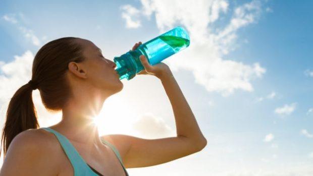 El consumo excesivo de líquido puede general problemas.