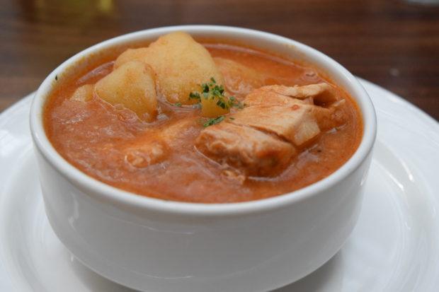 Sopa tradicional Marmitako. //Foto: Roxana Zepeda.