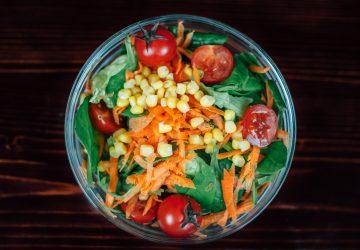 """El concepto básico de esta dieta es únicamente consumir alimentos """"limpios"""", preparándolos de cero, desde su estado natural, y eliminar el azúcar refinado."""