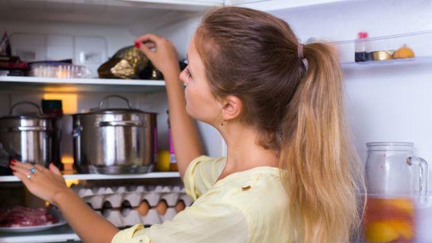 Es aconsejable guardar los alimentos en pequeñas porciones. FOTO: GETTY IMAGES.