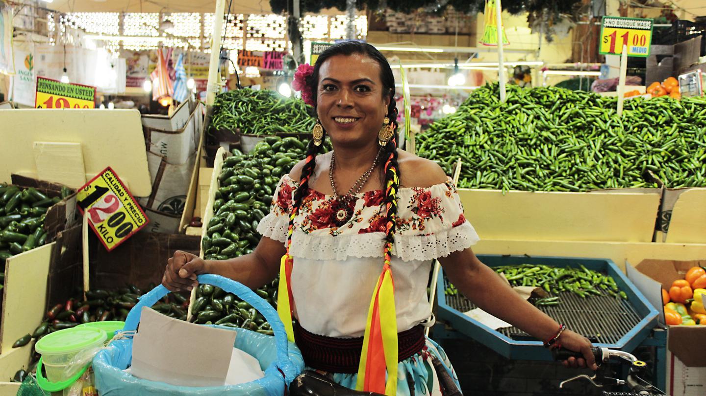 Ante la ley se llama Francisco Marven, pero es conocido como Lady Tacos de Canasta.