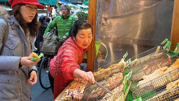 En Japón se le llama tempura y ha sido un sello de esa cocina desde la llegada de los portugueses en el siglo XVI.