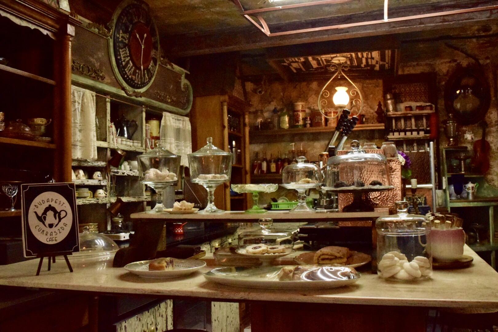 Resultado de imagen para budapest café cukrászda