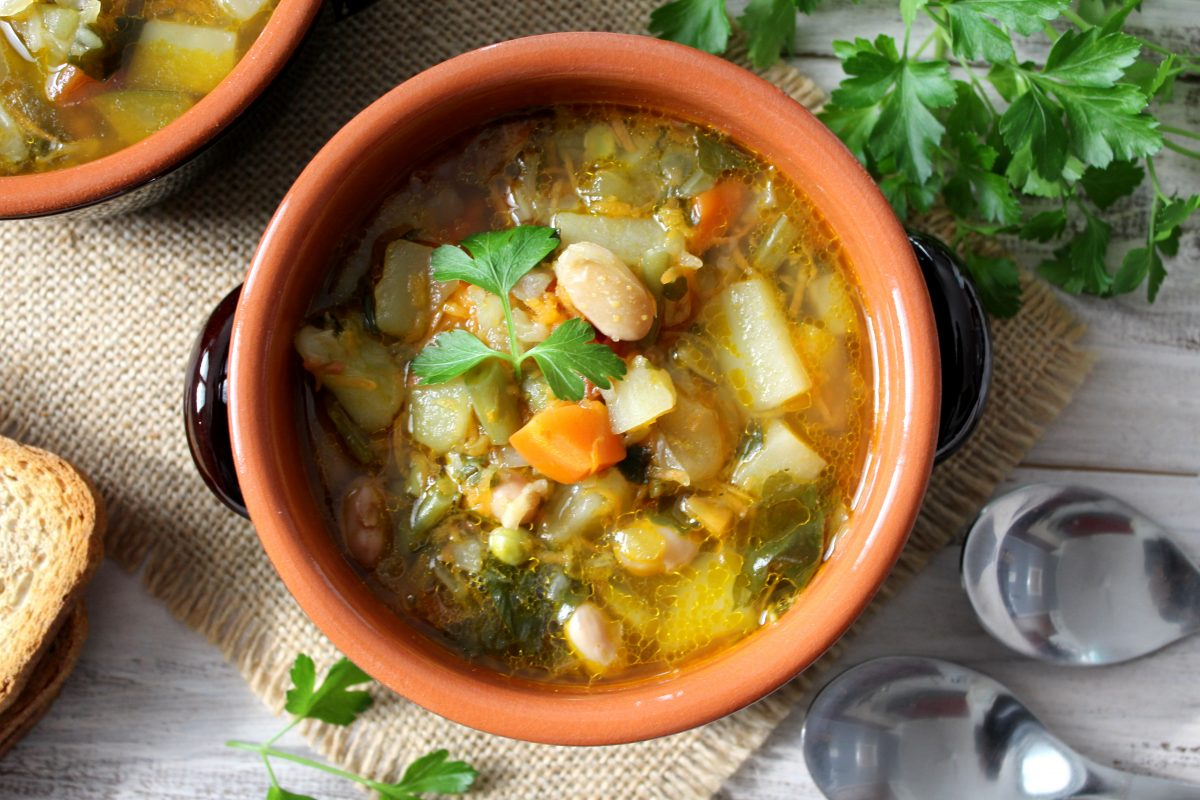 Un menú completo sopas y guarniciones que le van mejor a los chiles en nogada