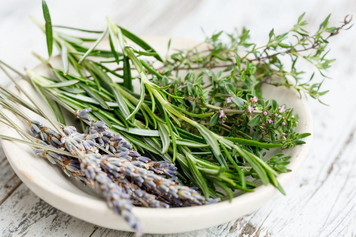15 alimentos que no necesitan refrigerarse y cómo conservarlos mejor