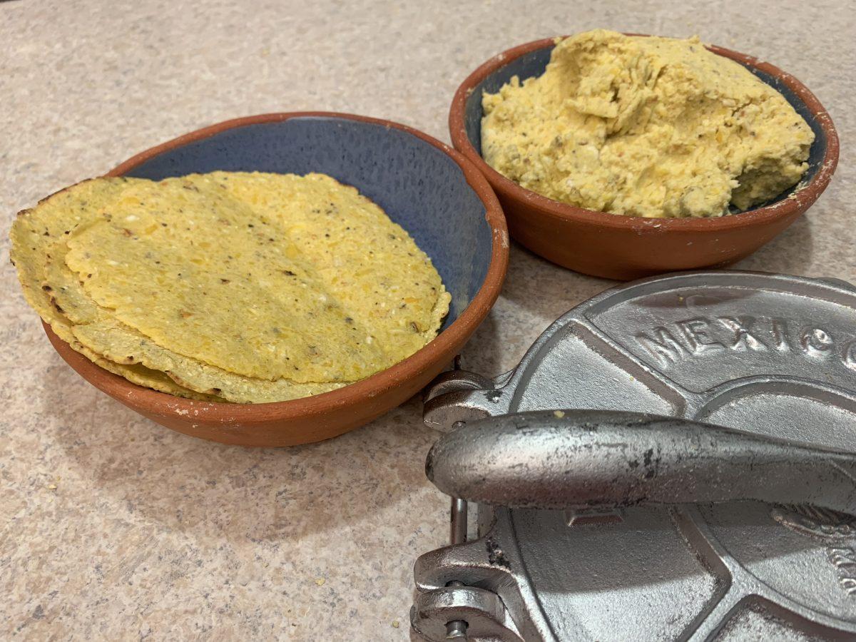 Todo lo que necesitas saber para nixtamalizar en casa y hacer masa para tortillas