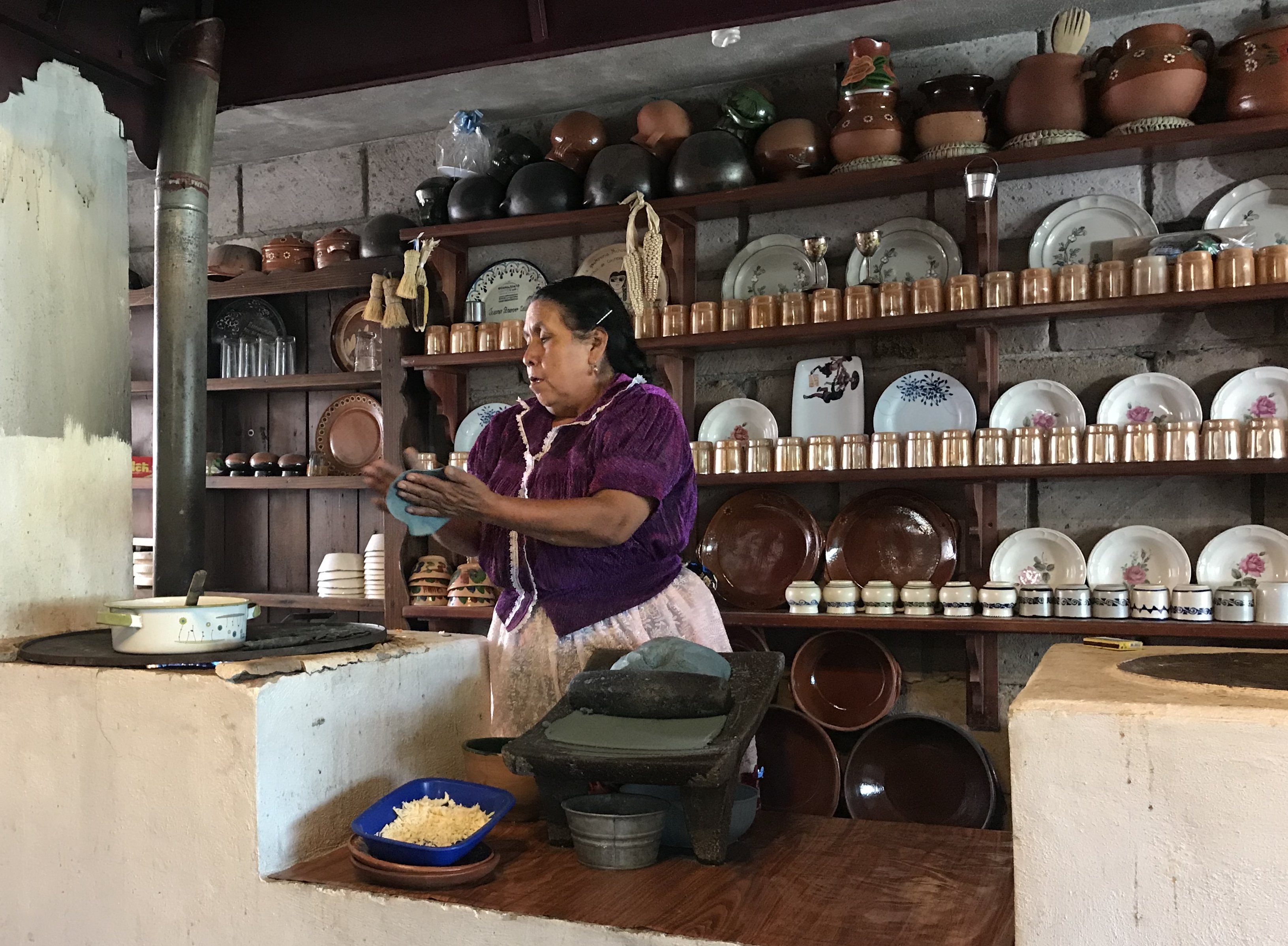 Juana Bravo, Juanita en su cocina.