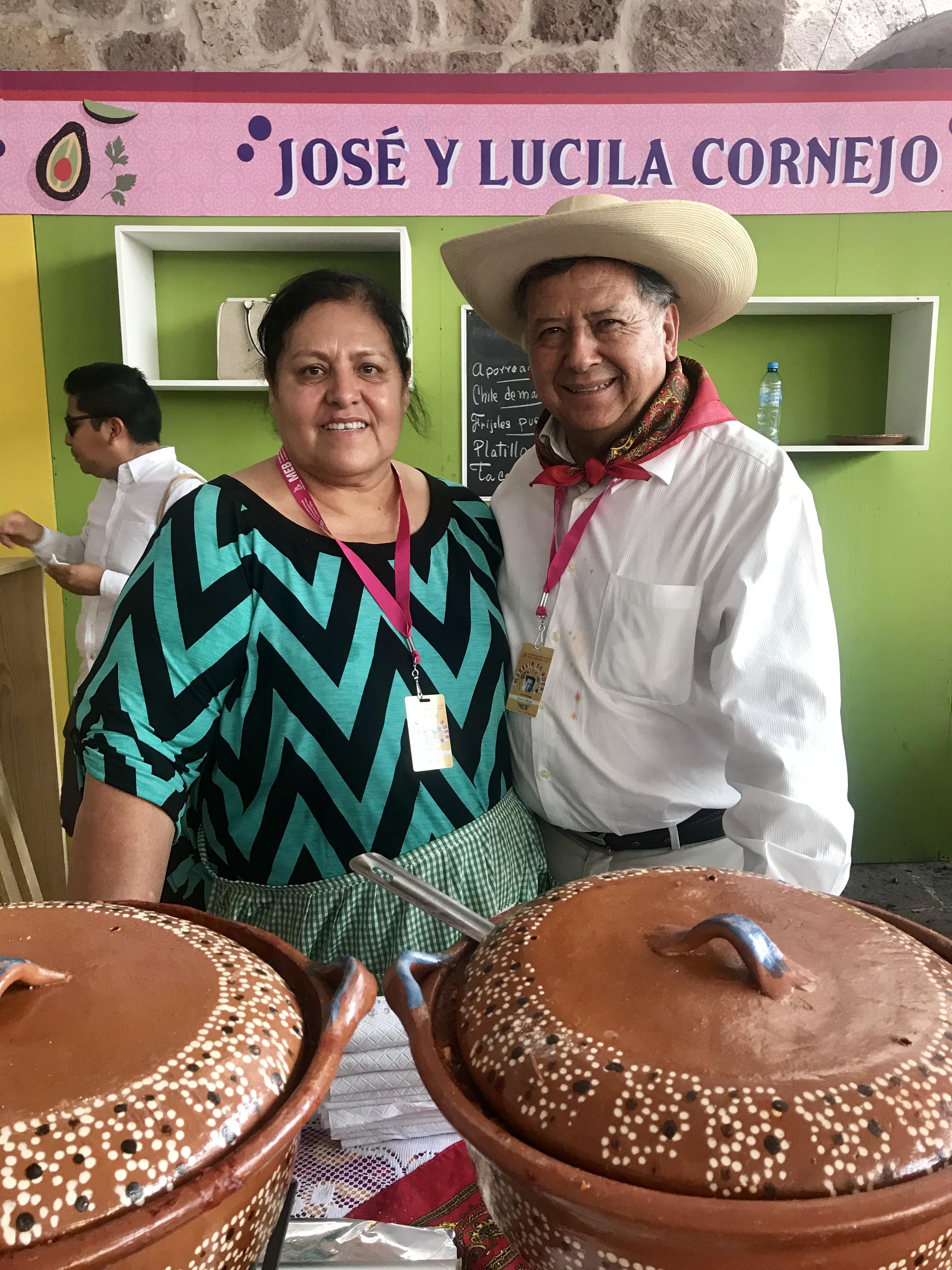 José y Lucila Cornejo, cocineros tradicionales. Gastronomía mexicana y cocina michoacana.