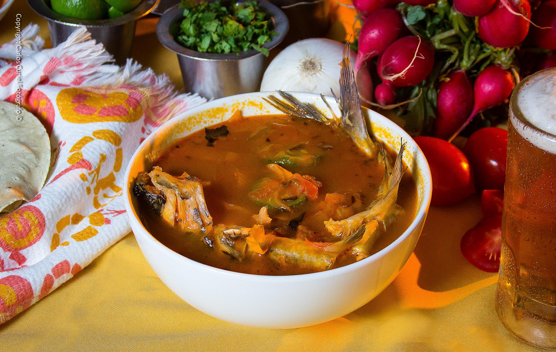 Caldo michi, comida de Jalisco.