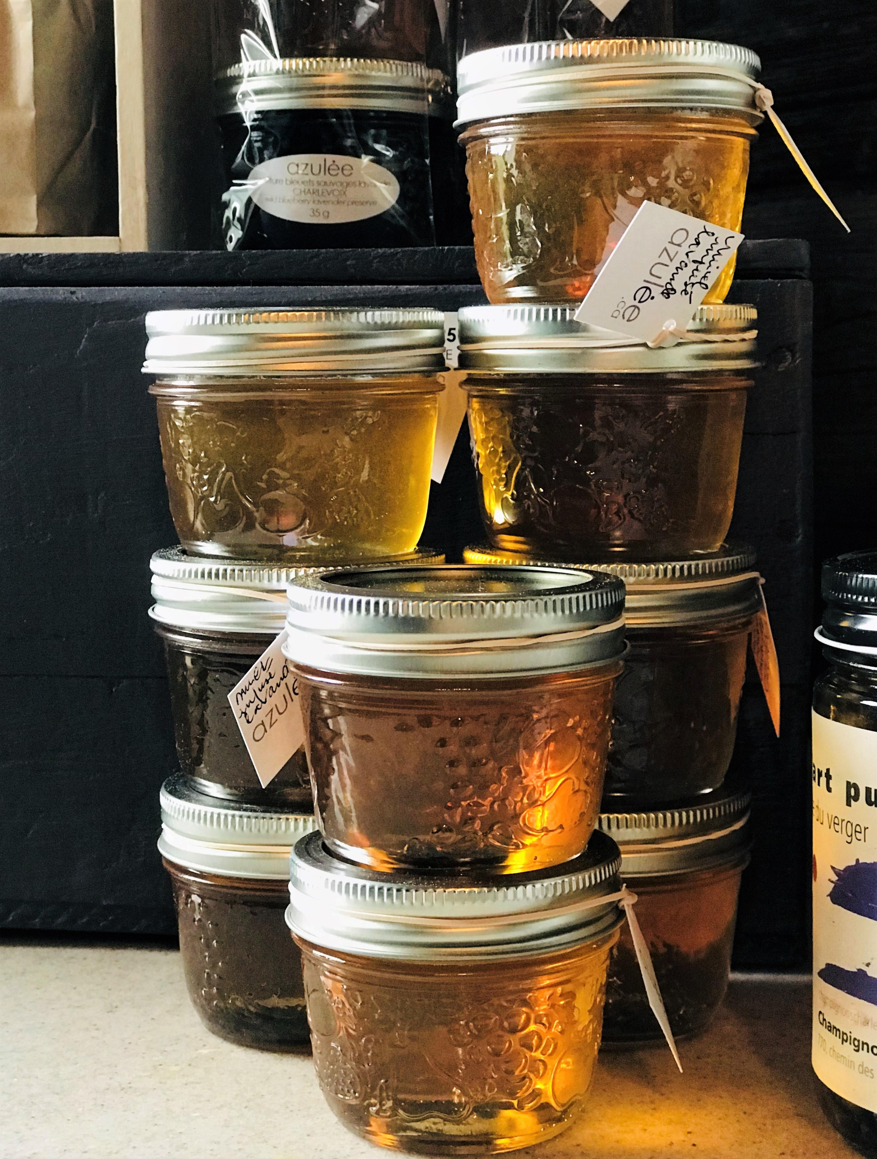 Miel orgánica de Azulée en la ruta del sabor de Charlevoix, Quebec.