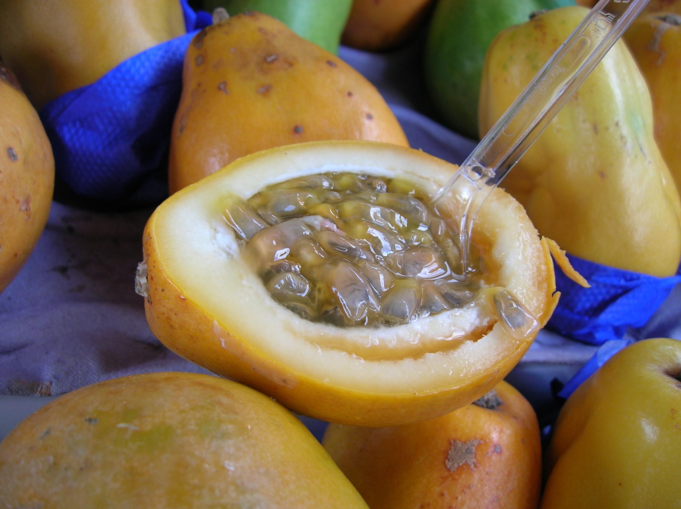 Maracuyá como parte de las frutas exóticas.