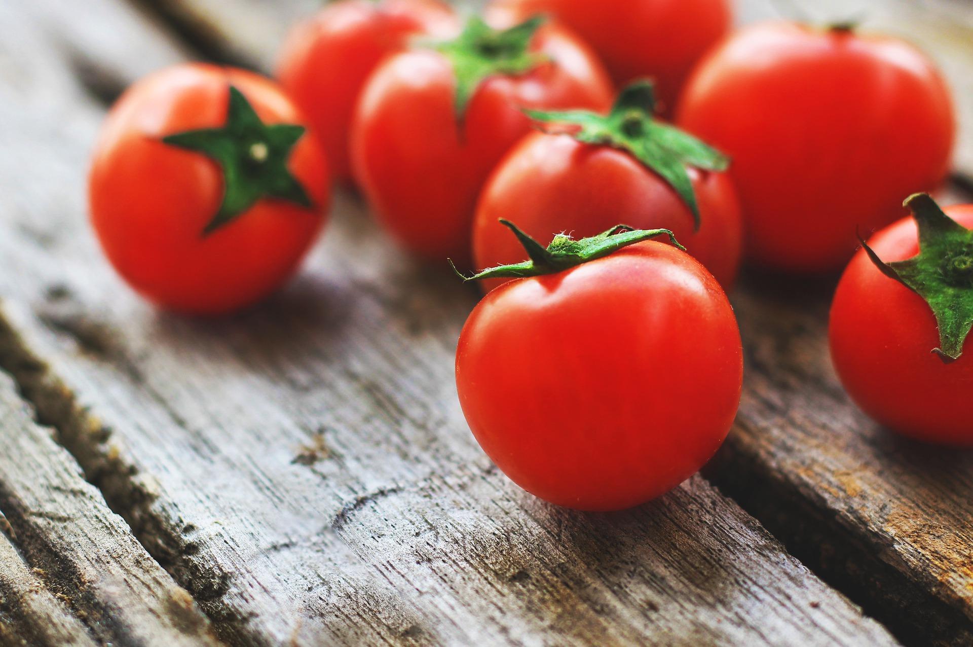 Vino de tomate