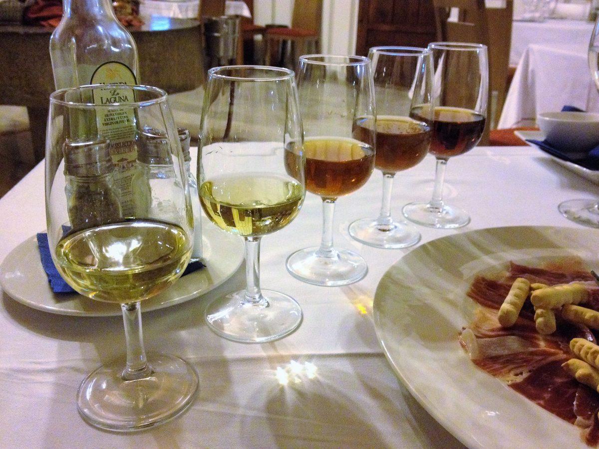 Jerez, el vino dulce que aromatiza la salsa de los chiles en nogada