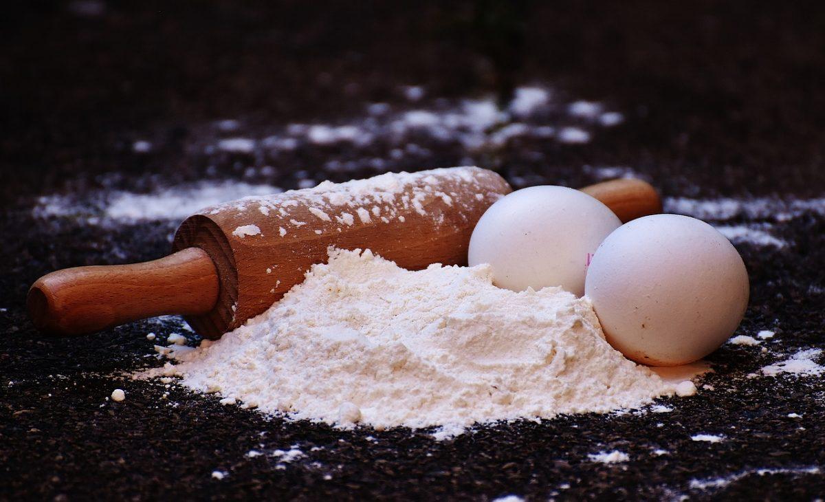 harina de trigo y huevo