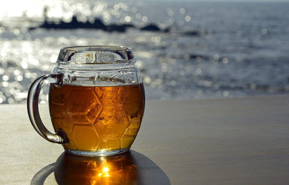 Dragón azul, cerveza mexicana con agua de mar
