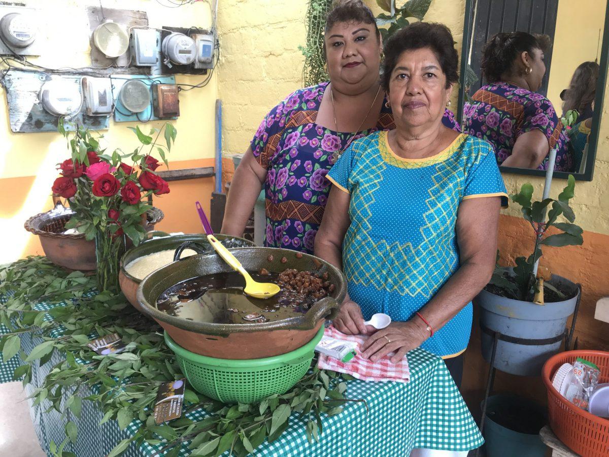 mujeres que alimentan